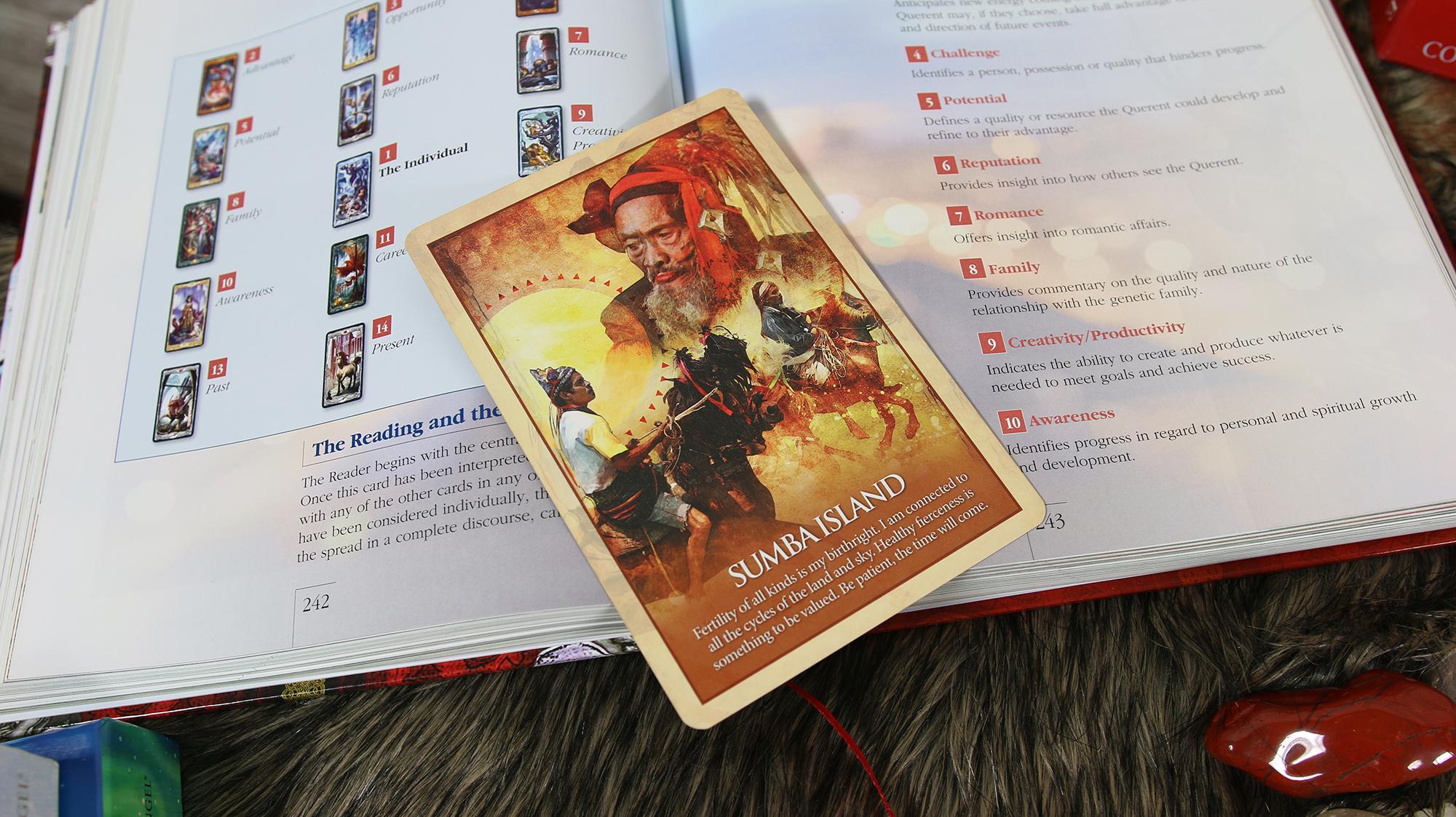 Ảnh: Nguyễn Hiếy Bộ bài: Earth Power Oracle Cards
