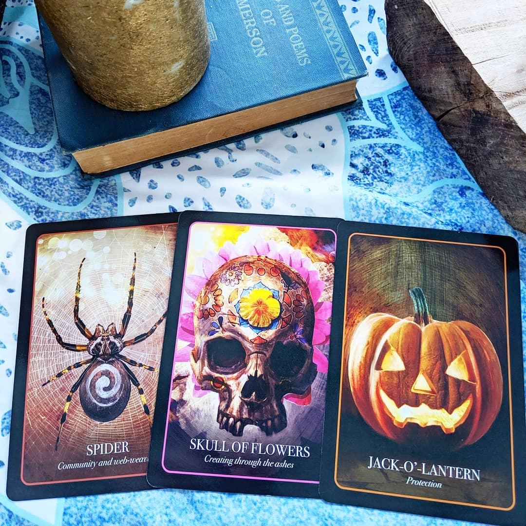 Top 5 Bộ Bài Tarot/Oracle Dành Cho Dịp Halloween 4