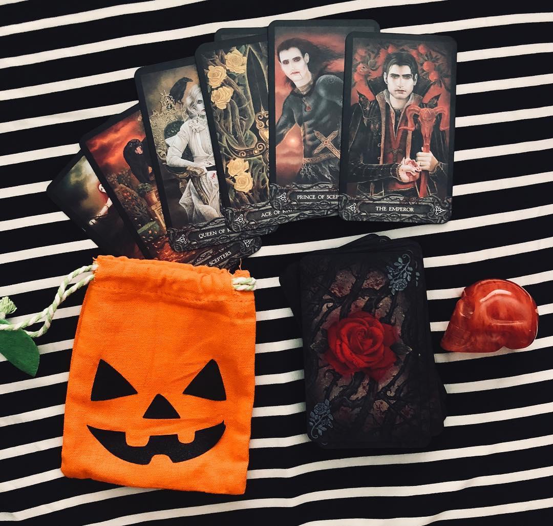 Top 5 Bộ Bài Tarot/Oracle Dành Cho Dịp Halloween 5