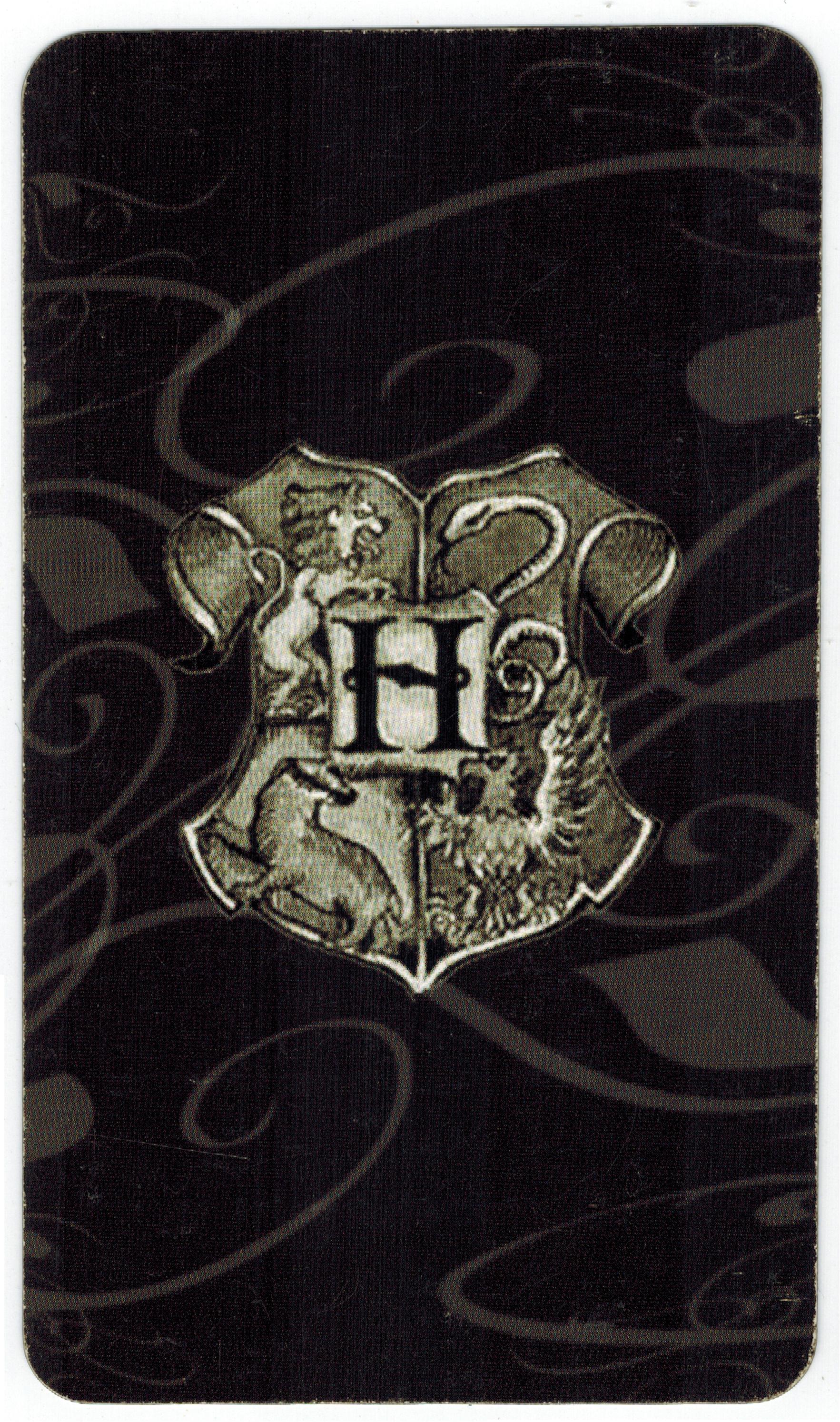 Rút Bài Oracle: Bạn Thuộc Nhà Nào Trong Trường Học Phù Thủy Hogwarts?